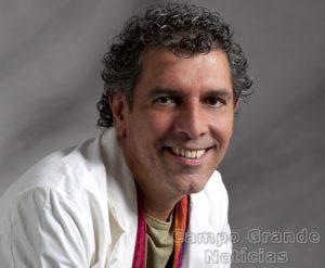 Escritor Emmanuel Marinho – Foto: Divulgação