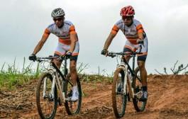 Dupla de paraciclistas faz estreia na Brasil Ride 2015
