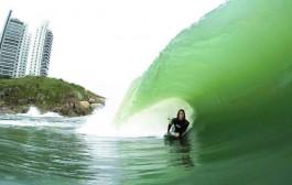 Com invert realizado em São Paulo, Renan Faccini concorre com 19 atletas no Free Surf Bodyboarding 2015