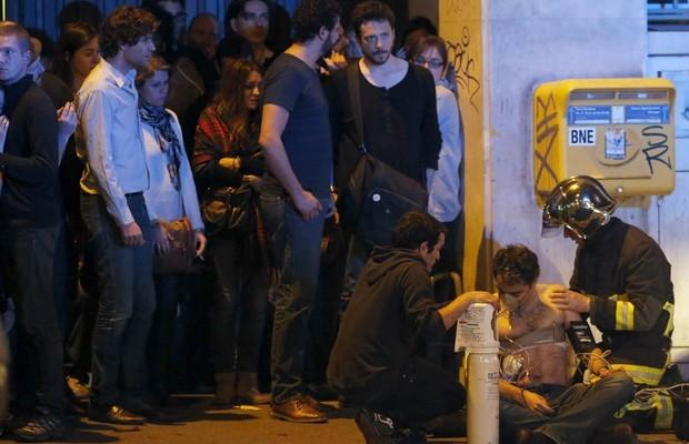 Sobe para 129 o número de mortes nos atentados em Paris, na França