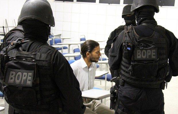 Suspeito de atentado a bomba em Salvador (BA) se entrega a polícia