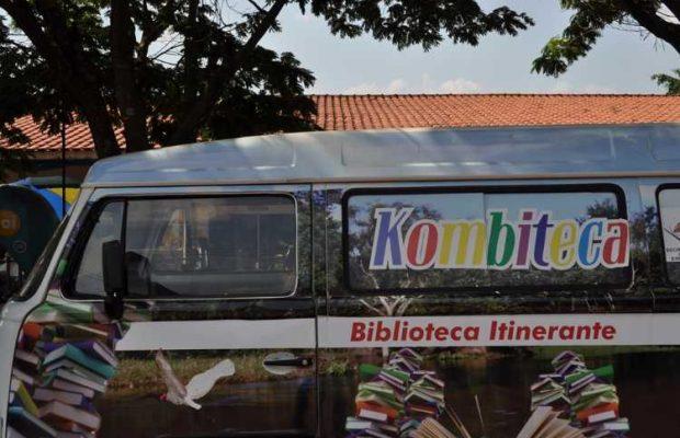 Kombiteca Itinerante faz parada na Escola Mariza Ferzeli, em Rio Verde (MS)