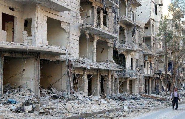 Aleppo (Síria) continua sitiada e bombardeios voltaram a ocorrer na cidade